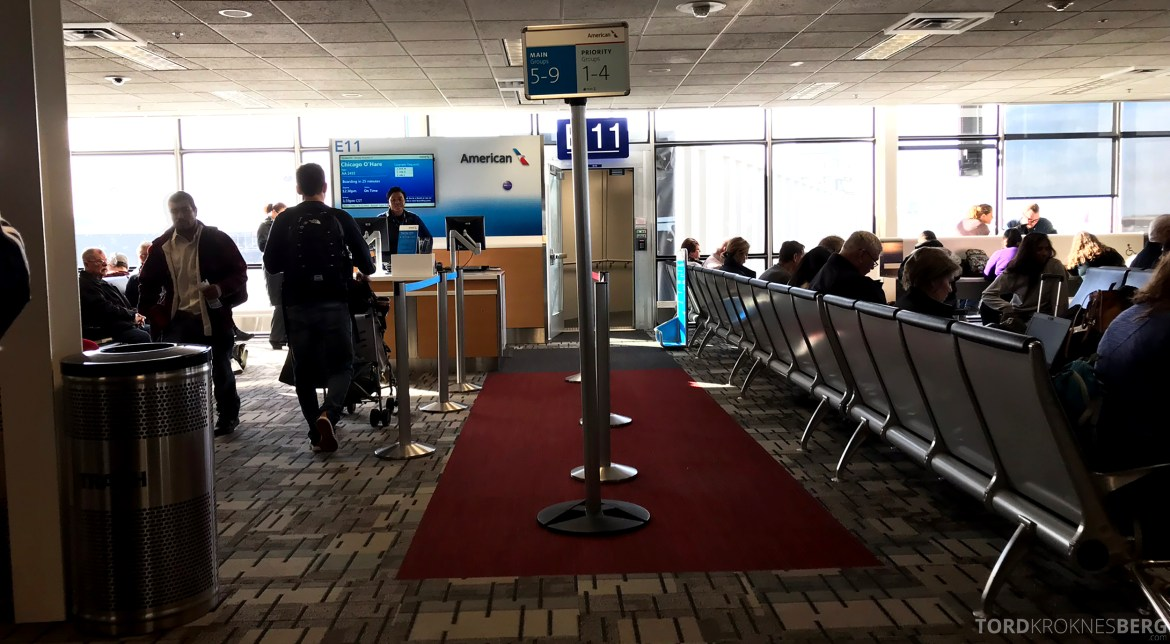 American Airlines First Class Minneapolis Chicago gate