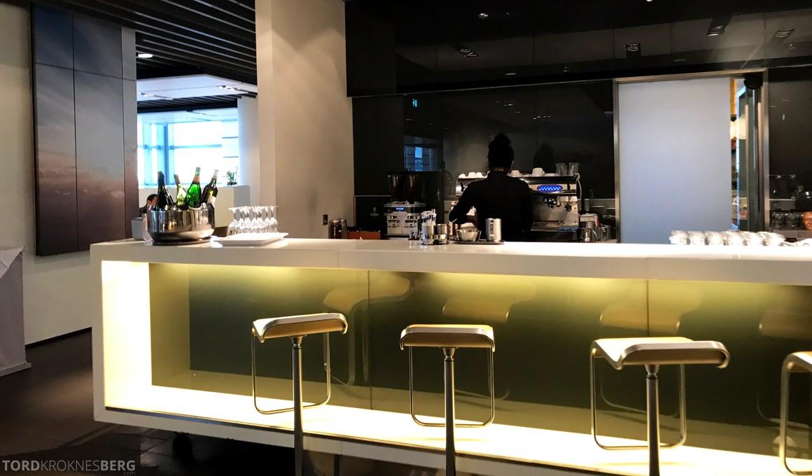 Lufthansa Business Lounge Frankfurt bar