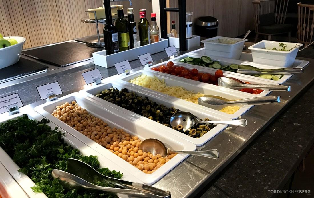 SAS Lounge International Oslo Gardermoen buffet