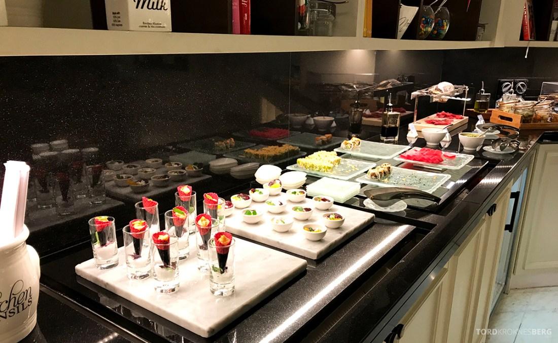 Ritz-Carlton Doha Club Lounge sushi
