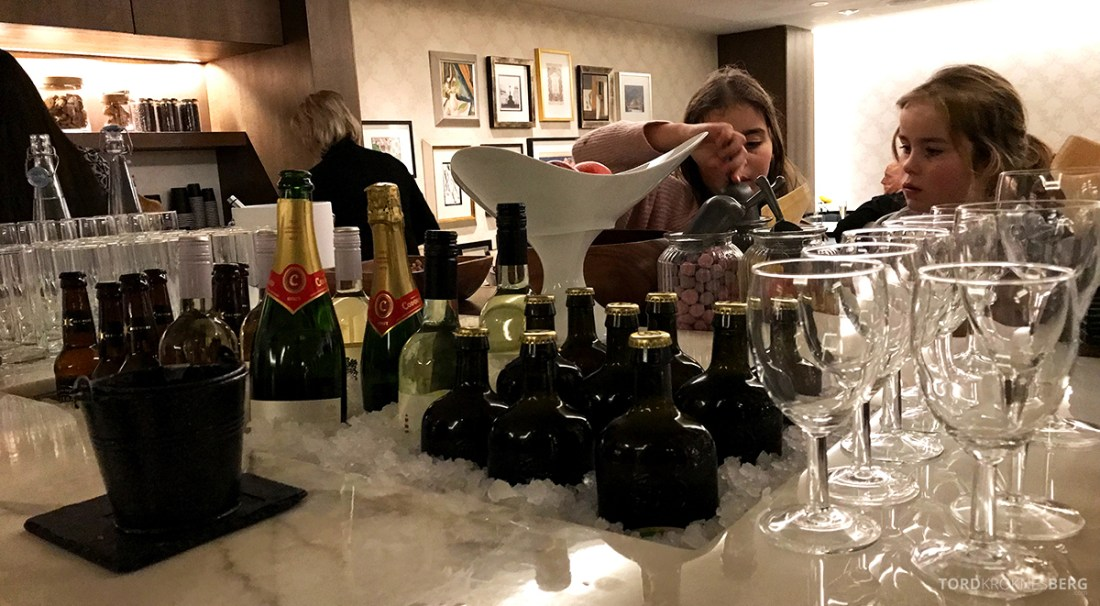 JW Marriott Hotel Grosvenor House London Executive Lounge hors d'oeuvre drikke