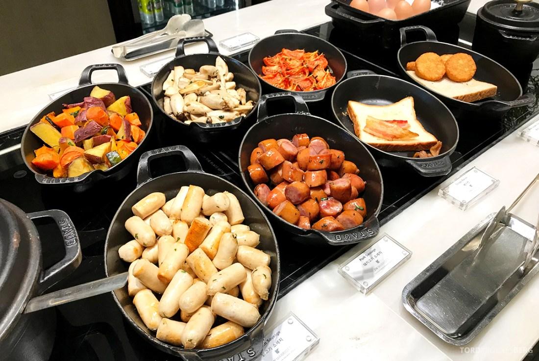 JW Marriott Dongdaemun Square Hotel Seoul Executive Lounge varmmat frokost