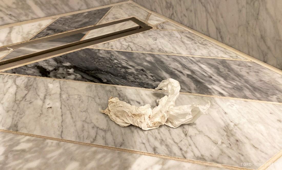 Britannia Hotel Trondheim skitten toalettpapir i dusjen