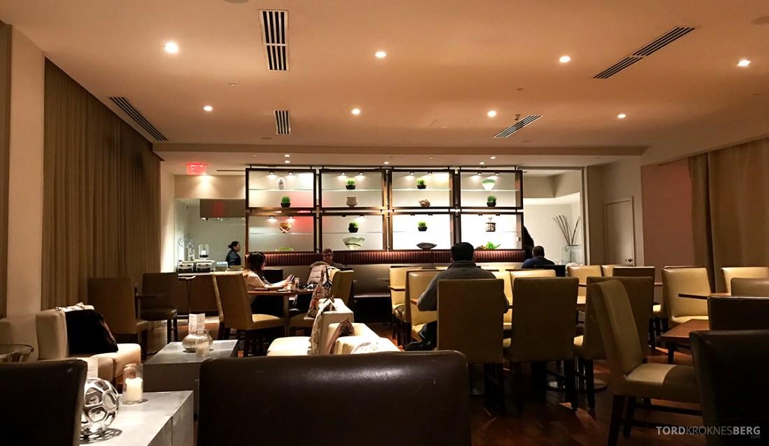 Renaissance Newark Airport Hotel Club Lounge kveld