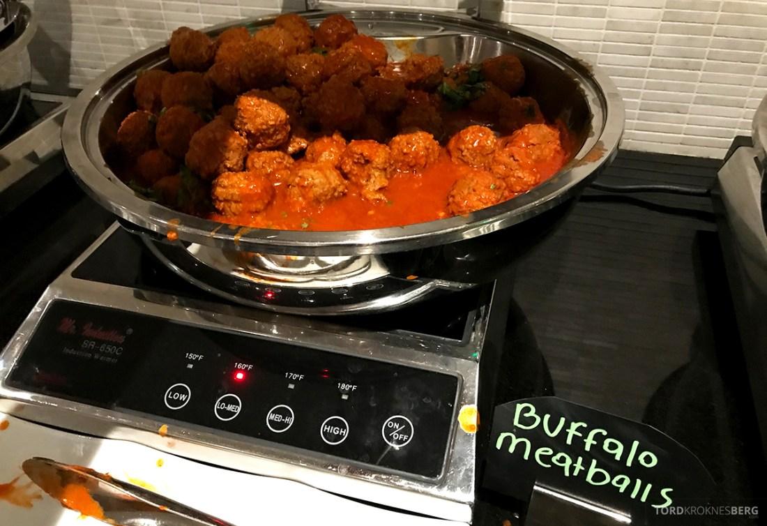 Beverly Hills Marriott Hotel Executive Lounge mat hors d'oeuvre kjøttboller