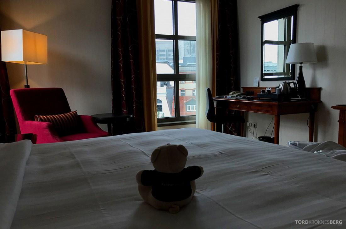 Marriott Hamburg Hotel reisefølget seng