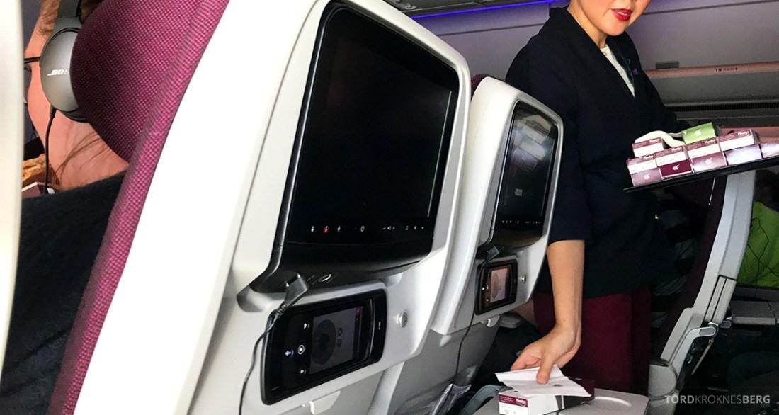Qatar Airways Economy Class Doha Oslo utdeling mellommåltid