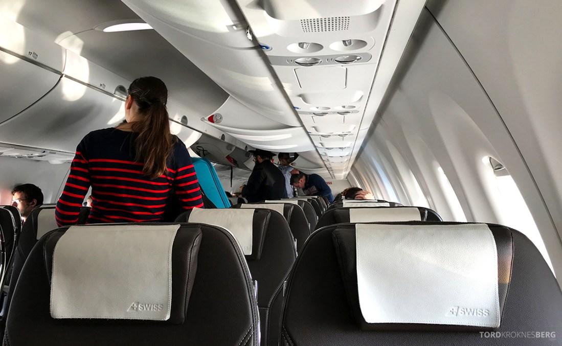 SWISS Economy Class Kiev Zürich Oslo kabin bak