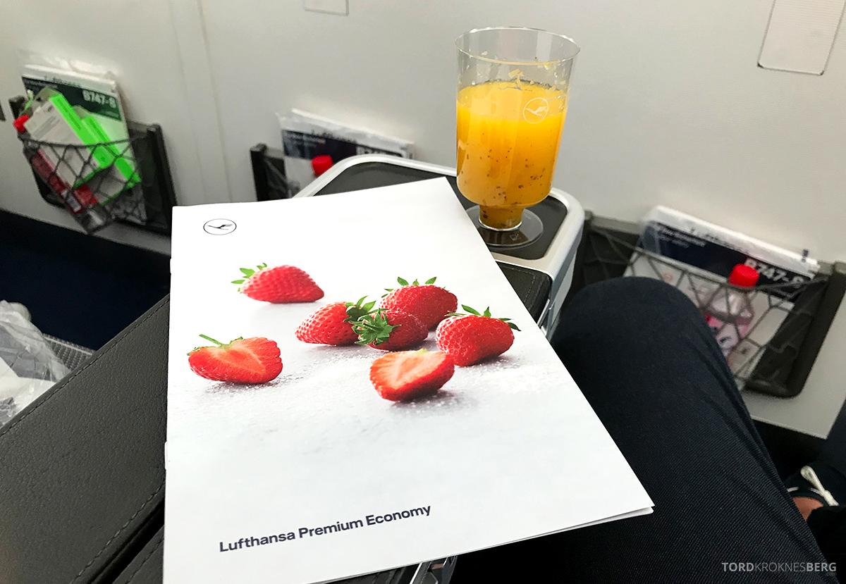 Lufthansa Premium Economy Class Oslo Frankfurt Los Angeles meny og drink