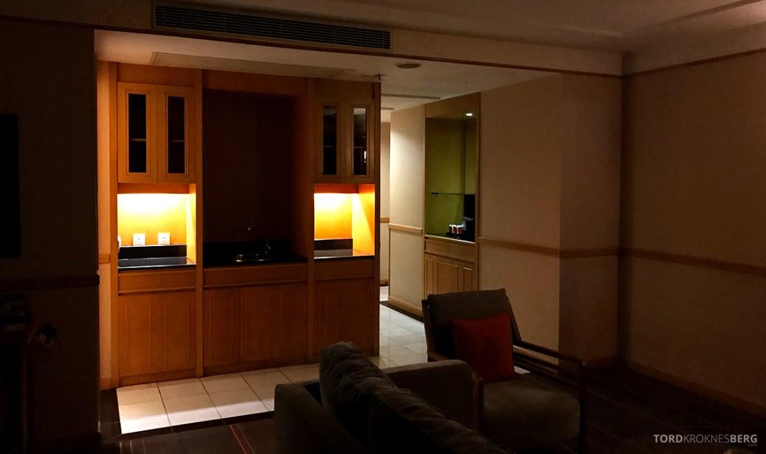 Renaissance Riverside Hotel Saigon Ho Chi Minh City bar suite