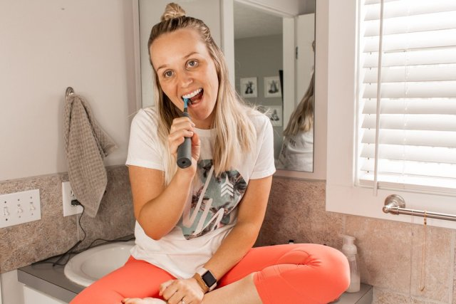 The Best Electric Toothbrush | Smile Br!lliant cariPRO