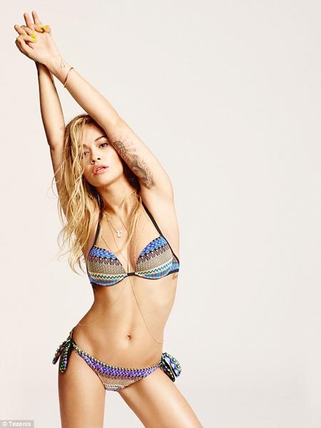 rita-ora-bikini-3 Photos: Rita Ora show off her Sekxy body in bikini