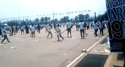 President Buhari's Supporters Protest In Abuja (Photos+Video)