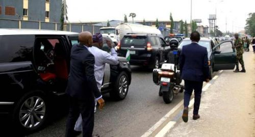 Drama As Governor Ambode Arrests Soldier For Driving Against Traffic (Photos) 1