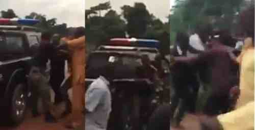 Police Officers Seen In Edo Fighting Over Bribe