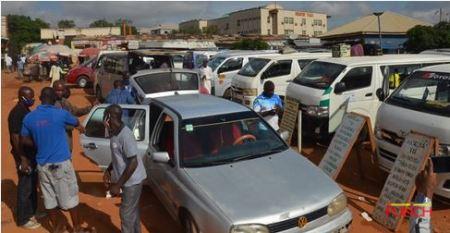 Abuja%20park4 - Passengers Besiege Abuja Park As FG Lifts Interstate Journey Ban (Photographs)