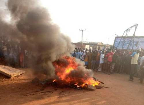 The armed robbers were burnt to death in Oyo state on Wednesday, July 29, 2020.