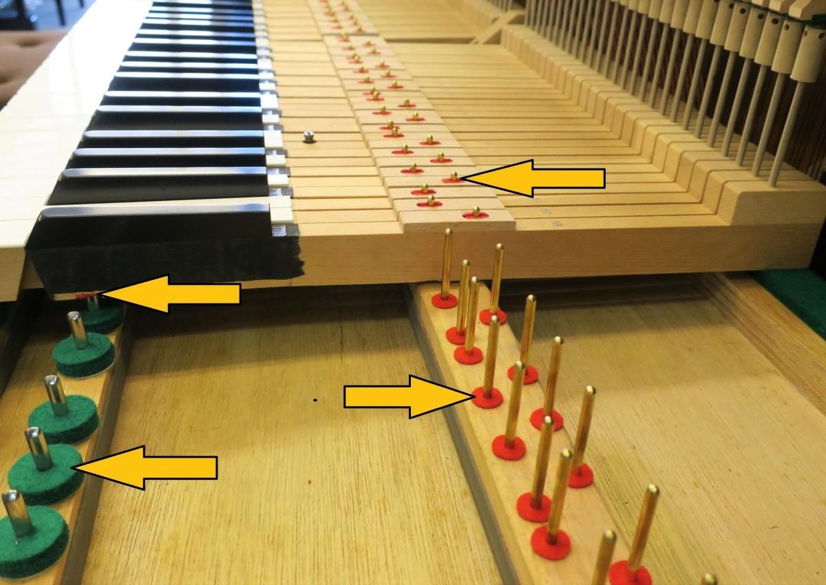 ピアノの鍵盤とピン