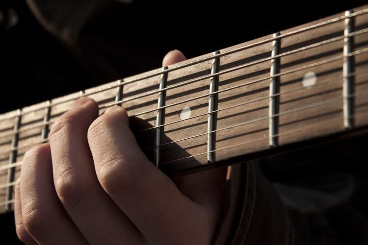 エレキギター教室とレッスン|大津市高島市音楽教室トリイミュージック