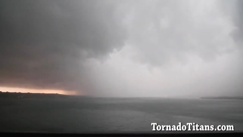May 19, 2011 Storm Chase | Northern Kansas HP Tornado Warned Supercell