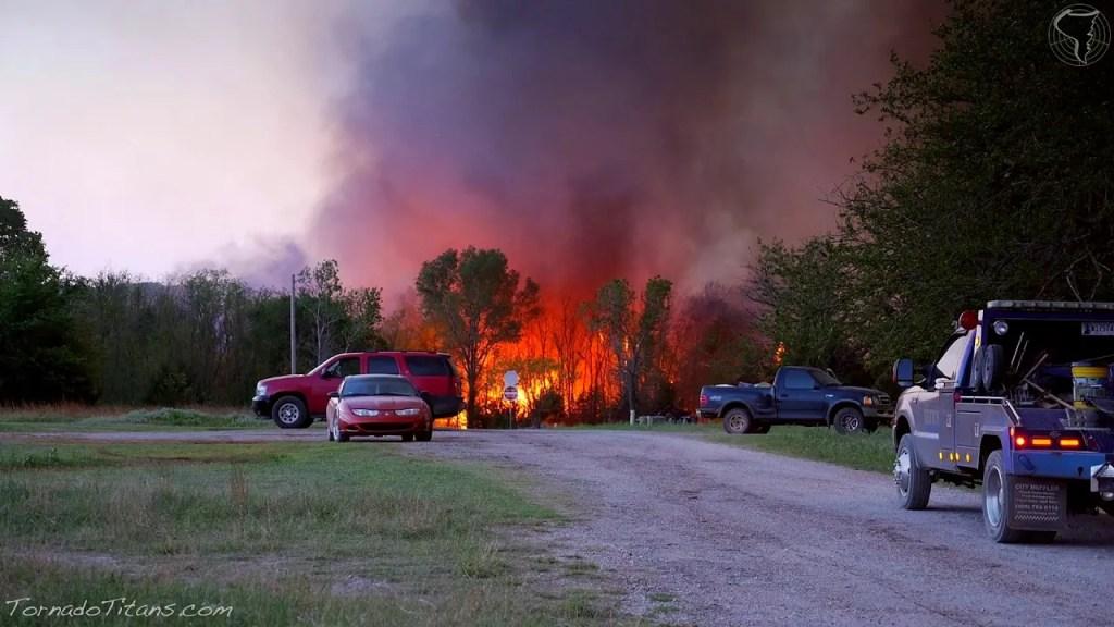 May 4, 2014 Storm Chase | Major Wildfire near Guthrie, Oklahoma