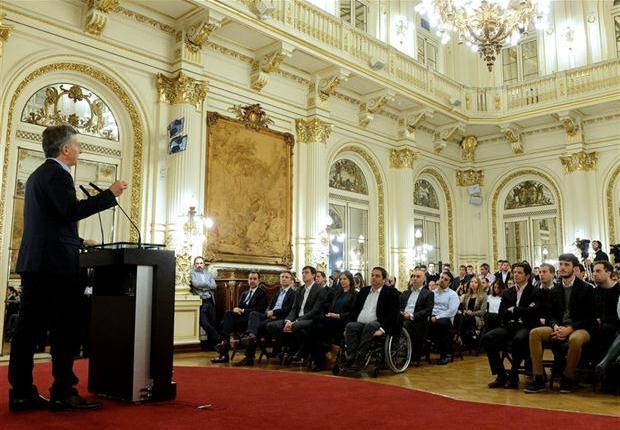 Macri anunció beneficios para empresas que contraten jóvenes, de entre 18 y 24 años