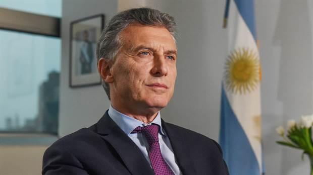 Macri firma el decreto por el bono de $ 5.000 para el sector privado