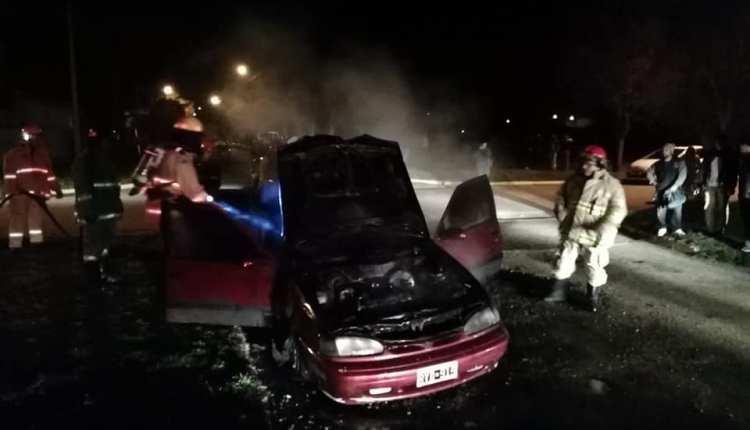 Saldungaray – Este domingo se incendió un automóvil particular