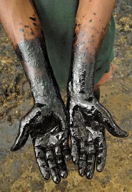 Por un derrame de petróleo, Neuquén podría aplicar a YPF la multa «más grande en la historia»
