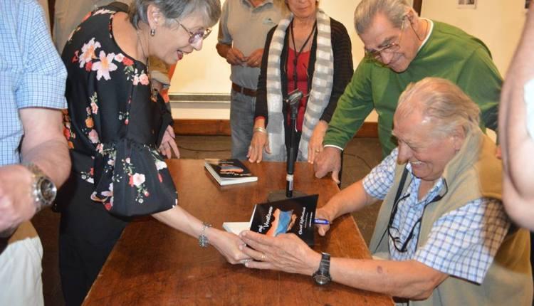 Saldungaray – La Biblioteca presenta «Desde mi Ventana» el libro de Oscar Kaltembach