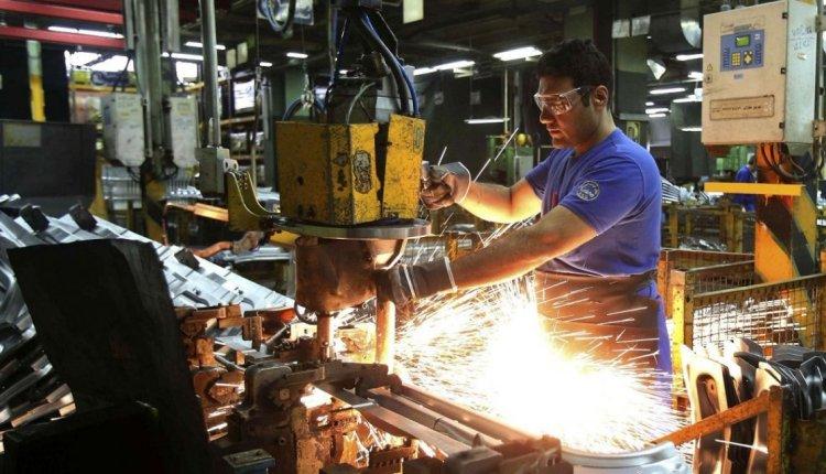 Diciembre para el olvido: se desplomaron la industria y la construcción