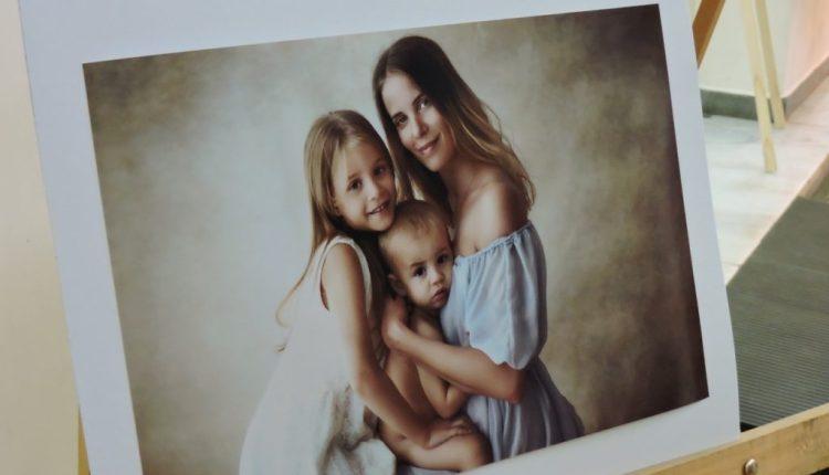 """Tornquist – Quedó inaugurada la muestra """"El amor hecho arte"""" de Ale Baier"""