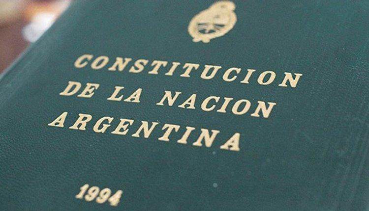 A partir del año que viene, los alumnos de tercer año deberán jurar lealtad a la Constitución Nacional