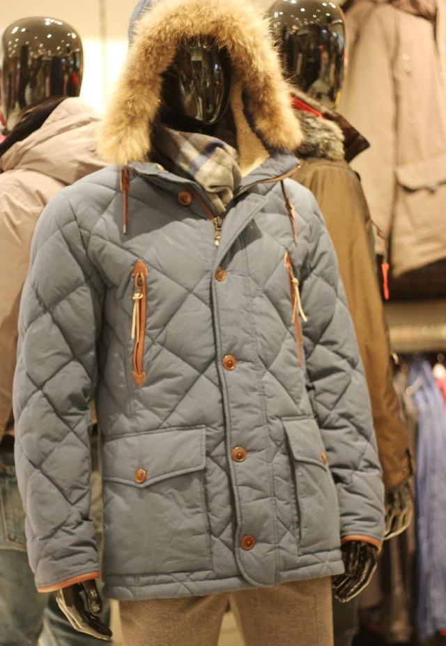 Men's Outerwear Jackets & Coats APTRO Men's Winter Wool Coat Single Breasted Wool Trench Coats Fleece Jacket. CDN$ Prime. 5 out of 5 stars 2. Wantdo Men's Winter Puffer Coat Casual Fur Hooded Warm Outwear Jacket. CDN$ Prime. out of 5 stars 6.