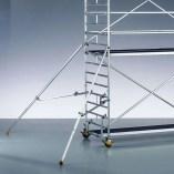 Estabilizadores extensibles para torre móvil