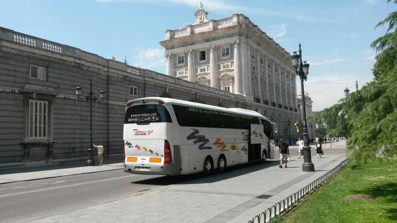 Închiriere de autobuze pentru călătorii în Madrid