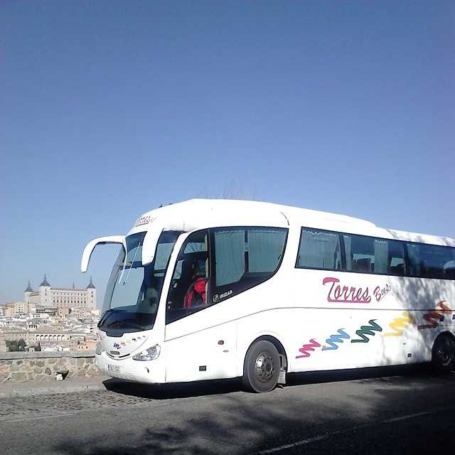 Autobuze în autobuzul 35 pentru a vă vizita la Toledo
