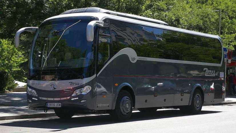alquiler autocar 20 plazas: ideal para celebraciones
