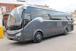 minibus con posti a sedere ampia e comoda grande Madrid