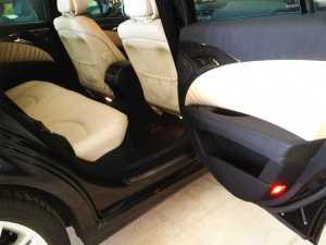vehiculo dotado con cinturones de seguridad