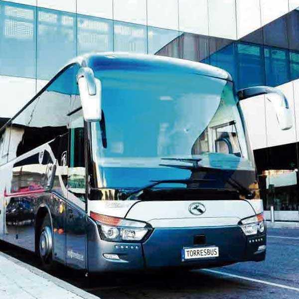 Le bus 52 installe le transfert VIP des entreprises à Madrid