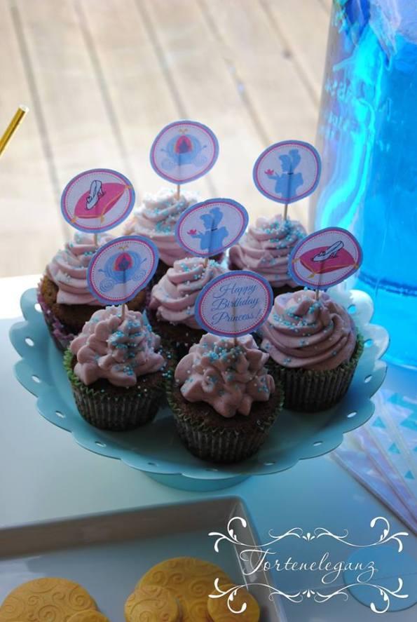 Cinderella Kindergeburtstag 3D Torte Candy und Deko Cupcakes