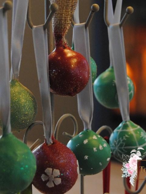 Hängende Weihnachts Cake Pops Kamin