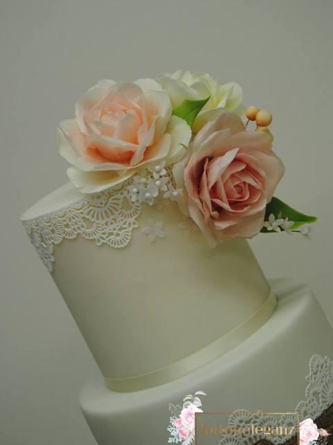 Rustikale Vintage Hochzeitstorte Blumen 2