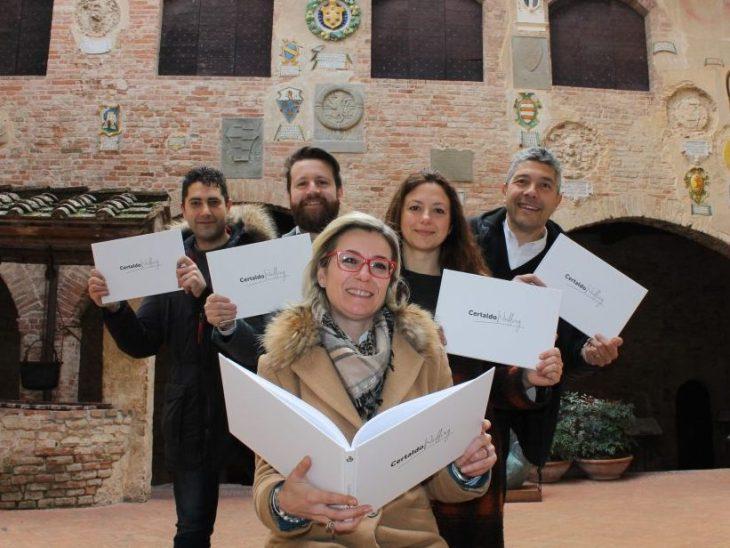 Certaldo Wedding il libro – da sx Giacomo Checcucci, Damiano Salvadori, Francesca Pinochi,  Donatella Barbera, Roberto Bartalini – foto IMG_1150