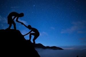 Altruismo e gentilezza aiutano la psiche e possono essere allenati