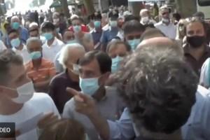 Zingaretti contestato a Viareggio dagli iscritti PD