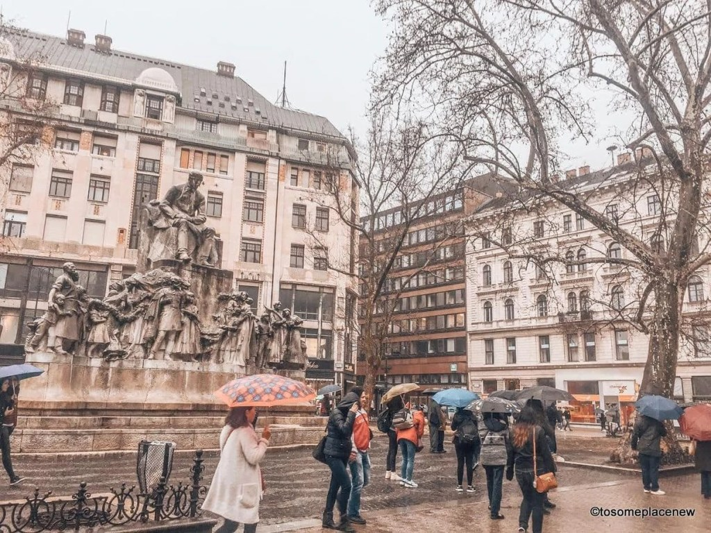 Explore the Hungarian Capital city of Budapest in 2 days - this is your perfect Budapest Itinerary covering historical sites, city life and dinner cruise