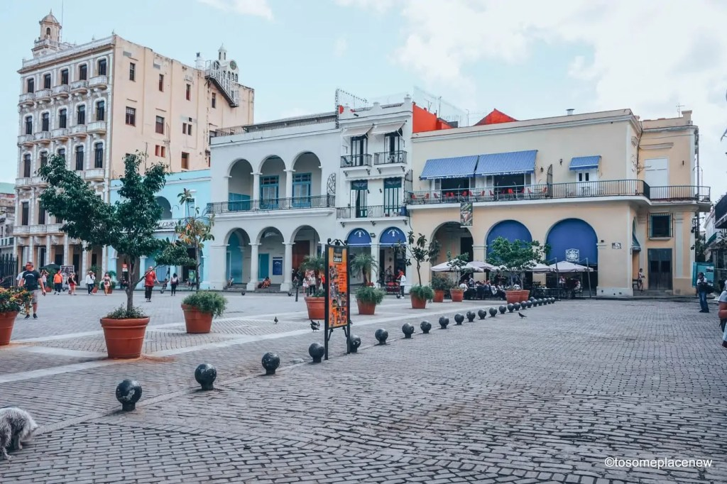 Image of Old Havana Square. So you got 3 days in Havana? Make the most of it! Visit the UNESCO Heritage Site of Old Havana, learn about the revolution era, explore the Spanish quarters, wander along the waterfront and drink some daiquiris! Plan your perfect Havana Itinerary right here