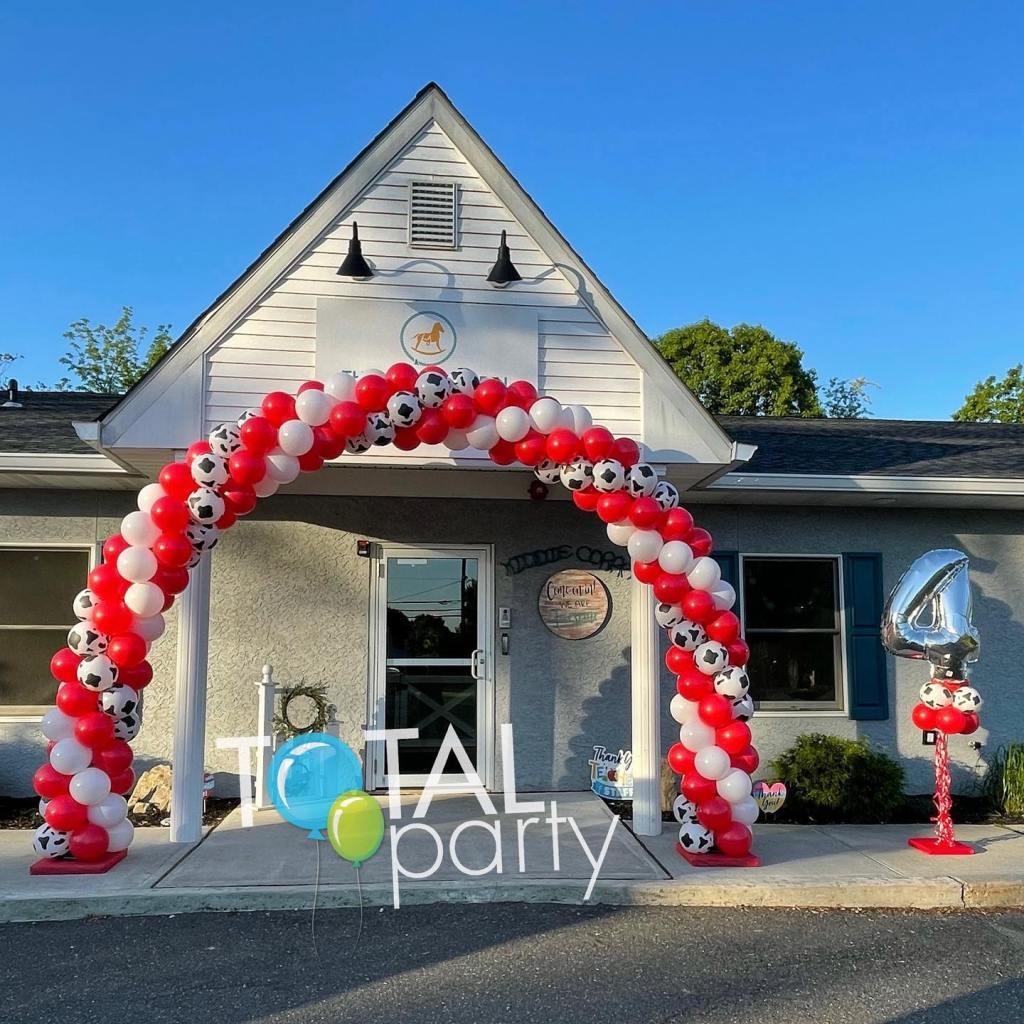 Early set up this morning celebrating anniversary #4  #balloonsinmonroe #eastbrunswickballoons #balloonsbytotalparty #balloonarch #cowprint